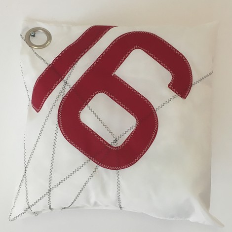 01 coussin GM 16 rouge BO carré