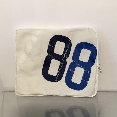 01-housse-ipad-88-bocarre