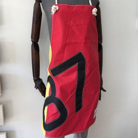 01 tablier rouge 87 noir bocarre