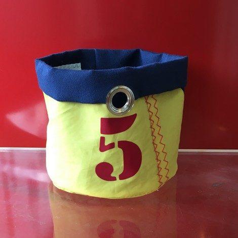 01 corbeille PM jaune 5 rouge bocarre