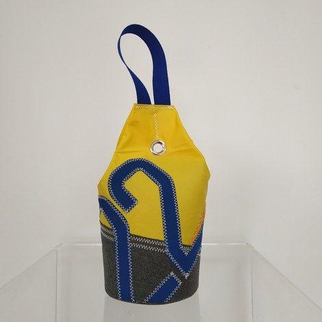 cale porte jaune et gris chiffre 22 bleu roi 01
